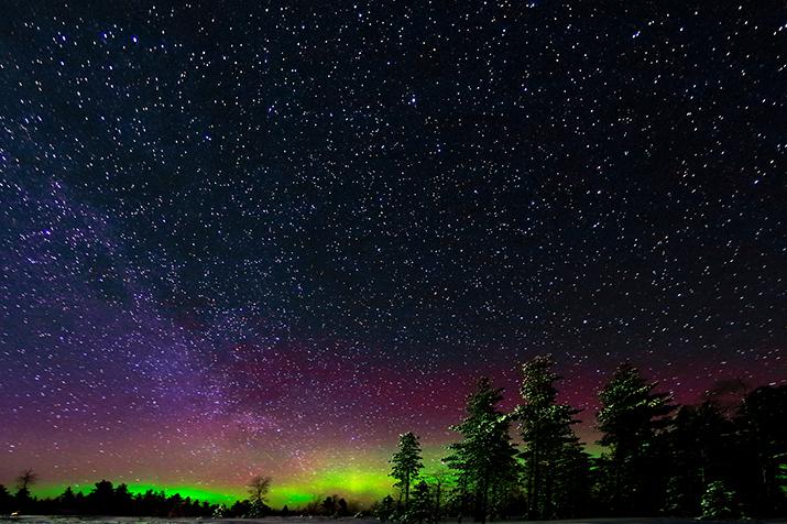 web-058033 - Cielo stellato con Aurora